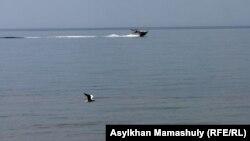В казахстанской акватории Каспийского моря.