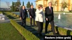 Stambul sammitine german kansleri Angela Merkel, türk prezidenti Rejep Taýyp Erdogan, rus prezidenti Wladimir Putin we fransuz prezidenti Emmanuel Makron hem gatnaşdy. 27-nji oktýabr, 2018 ý.