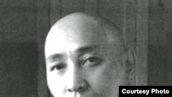 Жұмабай Шаяхметов, 1946-1954 жылдары Қазақстан Компартиясы Орталық комитетінің І хатшысы. Мадат Аққозиннің «Вернуть из забвения» кітабындағы сурет.