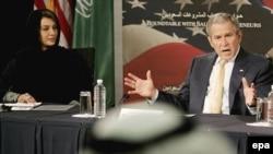 آقای بوش در نشستی در جمع مديران شرکت های سعودی گفت که در جريان ديدار با پادشاه عربستان در مزرعه شخصی وی، درباره قیمت بالای نفت صحبت خواهد کرد.
