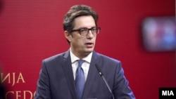 Stevo Pendarovski, kandidati për president i partive në pushtet, LSDM dhe BDI.