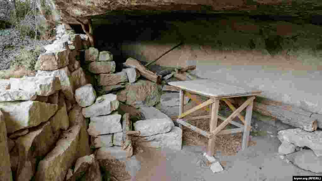 Еще один «летний домик» в горах на пути к Кыз-Кермену