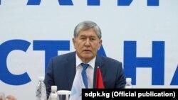 Gyrgyz häkimiýetleri ozalky prezident Almazbek Atambaýew. Arhiw suraty