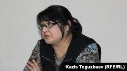 Редактор оппозиционного сайта Nakanune.kz Гузяль Байдалинова в суде. Алматы, 26 декабря 2015 года.
