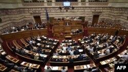 Грекия парламентінің отырысы. Афины, 15 шілде 2015 жыл.