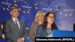 Optimistične poruke nakon sastanka: Genoveva Ruiz Kalavera, Denis Zvizdić i Željka Cvijanović na konferenciji za novinare