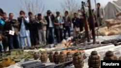 Armët e zëna nga autoritetet, Kabul, 15 mars, 2013
