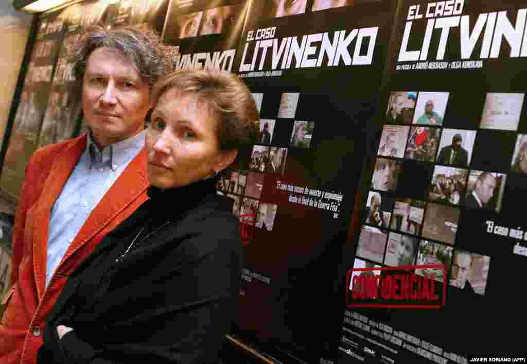 Marina Litvinenko (right) and Russian director Andrei Nekrasov attend the screening of the film Rebellion: The Litvinenko Case in Madrid on December 20, 2007.