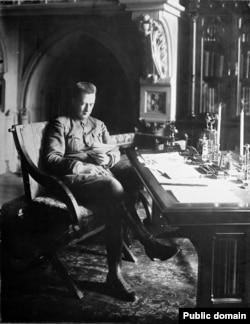 Александр Керенский, глава демократического Временного правительства России