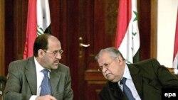 جلال طالبانی(راست)، و نوری المالکی رئیس جمهور و نخست وز یر عراق