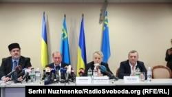 Ильми Умеров и Ахтем Чийгоз на пресс-конференции.