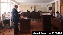 Депутат парламента Нодик Квициния заявил, что в обвинительной речи прокурора кроме сфабрикованных обвинений нет ни одного неопровержимого доказательства его причастности к этому преступлению