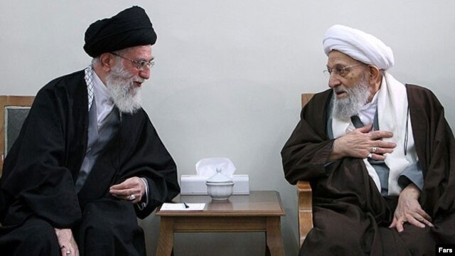 محمدرضا مهدوی کنی در کنار علی خامنهای