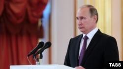 Президент России Владимир Путин на церемонии вручения верительных грамот послами иностранных государств в Кремле (9 ноября 2016)