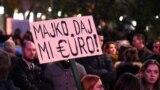 Jedna od parola na građanskom protestu u Podgorici, ilustrativna fotografija