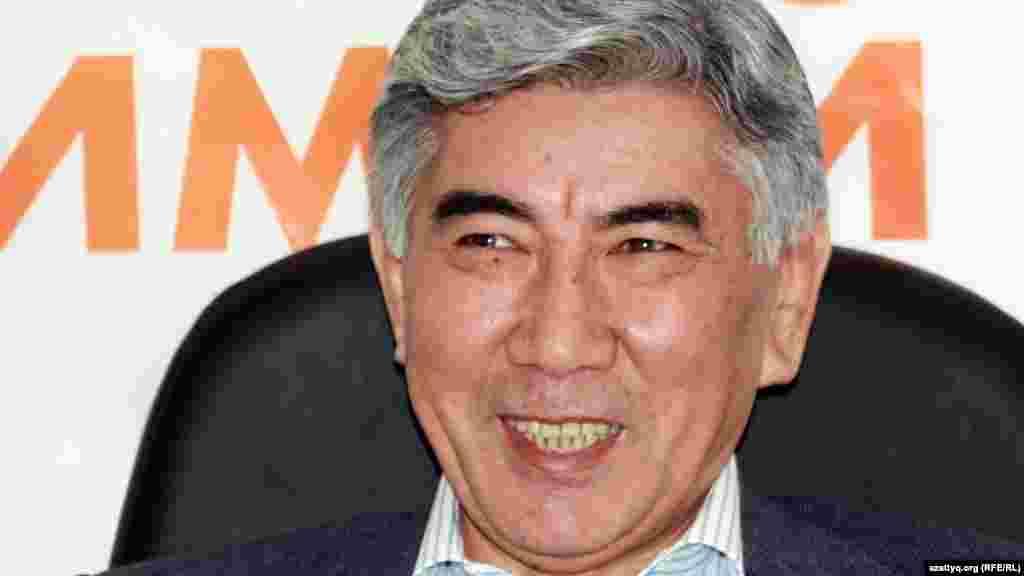 Жармахан Туякбай(1947 года рождения) выдвигался кандидатом в президенты на выборах 2005 года от оппозиции, набрал 6,64 процента голосов. Генеральный прокурор Казахстана (1990-1995), председатель мажилиса парламента второго созыва (1999-2004 годы).14 октября 2004 года выступил с публичным осуждением фальсификаций выборов в мажилис парламента третьего созыва и отказался от депутатского мандата. В ноябре 2004 года стал председателем Координационного совета демократических сил Казахстана (КСДСК). С 10 сентября 2006 года— председатель оппозиционной Общенациональной социал-демократической партии Казахстана.