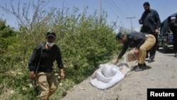 Vendi ku është gjetur trupi i mjekut të vrarë britanik, Pakistan, 29 prill 2012