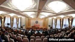 Иллюстративное фото. Парламент Кыргызстана.