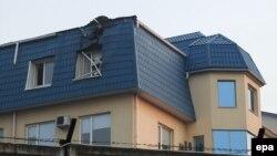 Пошкоджена обстрілом будівля Генерального консульства Польщі в Луцьку, 29 березня 2017 року