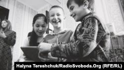 Фотографія з виставки «Доросле кримське дитинство» у Центрі Шептицького у Львові