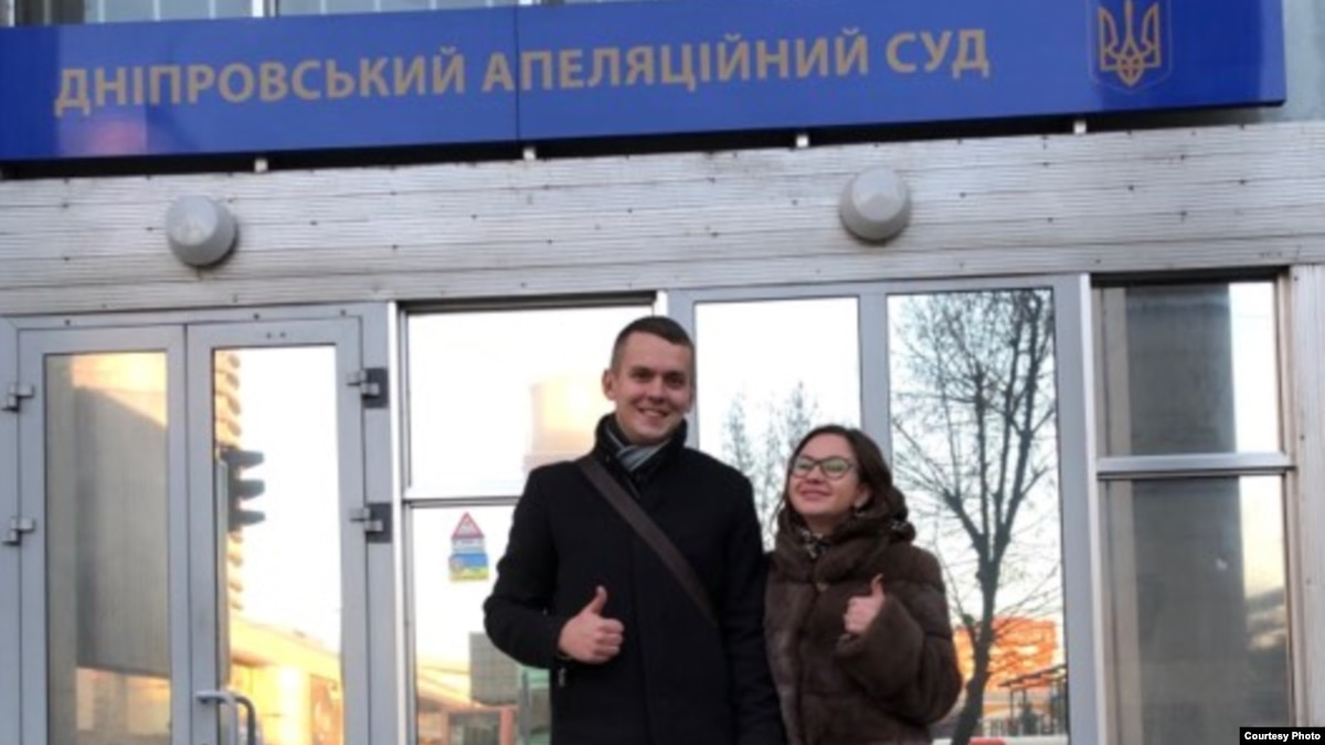Нападение на журналистку в Днепре: предприниматель получил год тюрьмы, но избежит наказания
