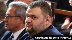 Делян Пеевски при едно от редките му посещения в Народното събрание