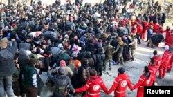 به گفته سخنگوی کمیته بین المللی صلیب سرخ، هنوز هزاران تن منتظر فراهم شدن امکانات برای ترک حلب هستند.