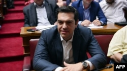 Премьер-министр Греции Алексис Ципрас во время заседания парламента в среду