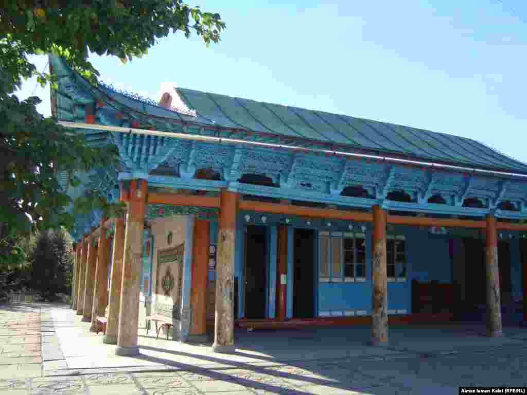 Мечеть представляет собой великолепный образец китайского архитектурного стиля эпохи Цин (1644-1911 гг.)