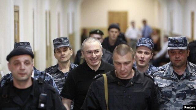 Отношение россиян к Михаилу Ходорковскому уже становится политическим фактором само по себе