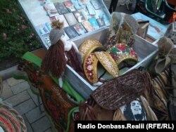 Продаж кокошників в окупованому Донецьку