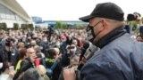 Ілюстрацыйнае фота. за Сьвятлану Ціханоўскую ля Камароўскага рынку. 24 траўня 2020 году
