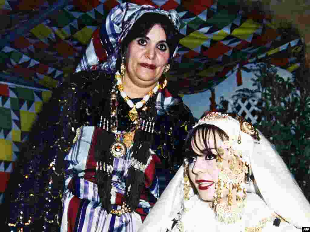 Каддафиның хатыны Сафия гаилә бәйрәмендә
