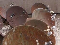 گفتوگوی بابک غفوری آذر با ایرج گرگین در مورد مسائل ماهواره در ایران