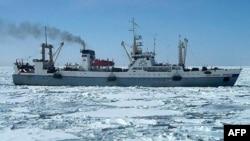 Dalny Vostok gəmisi