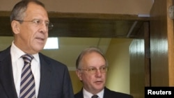 Міністр закордонних справ Білорусі Сергій Мартинов (праворуч) зустрівся зі своїм російським колегою Сергієм Лавровим у Мінську, 22 червня 2010 року