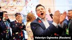 Рэакцыя Ўладзіміра Зяленскага на абвешчаныя вынікі экзыт-полу. 21 красавіка 2019 году
