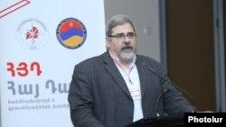 Armenia -- Giro Manoyan, a senior member of the Armenian Revolutionary Federation, speaks in Yerevan, February 24, 2020.