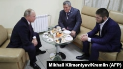 Встреча Владимира Путина с Абдулманапом и Хабибом Нурмагомедовыми