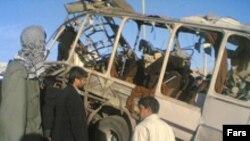 در انفجار اتوبوس در زاهدان دست کم ۱۱ تن از اعضای تيپ ۱۱۰ سلمان فارسی سپاه پاسداران کشته و ۳۴ تنمجروح شدند