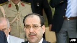نخست وزیر عراق در فرودگاه آنکارا اعلام کرد که گفت و گو با مقامات ترکیه برای افزایش همکاری در مسایل امنیتی، اقتصادی و تجاری خواهد بود.