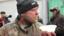 """""""Уличный магазин"""" для бездомных Петербурга"""