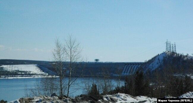 Одна из четырех комсомольских строек Усть-Илимска – ГЭС
