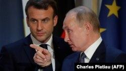 Francuski predsednik Emanuel Makron (Emmanuel Macron) i ruski predsednik Vladimir Putin u Parizu, decembar 2019.
