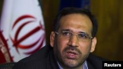 شمسالدین حسینی، وزیر اقتصاد ایران خواستار افزایش قیمت سوخت در داخل کشور است.