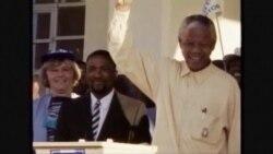 """Нельсону Манделе стало хуже: он находится в """"критическом состоянии"""""""