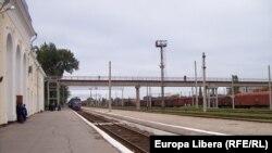 Trenul Chişinău-Odesa intră în Gara Tiraspol