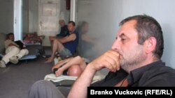 Štrajkači glađu iz preduzeća Šumadija DES, 18. jul 2012.
