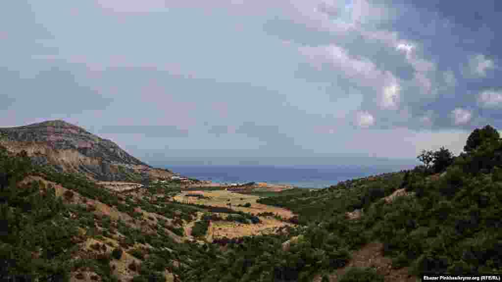 Живописный пейзаж Приветного (Ускут), самого восточного села Большой Алушты