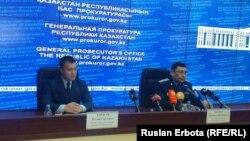 Қозоғистон МХҚ вакили Руслан Карасев Остонадаги брифингда, 2016 йил 6 июни.